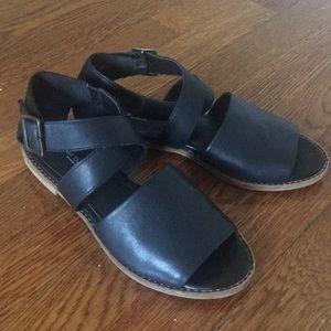 Kelsi Dagger Brooklyn black leather sandals